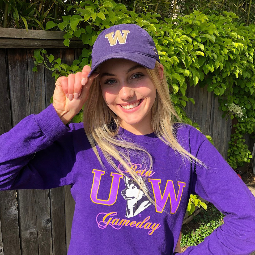 Scarlett Dahl Verbally Commits to UW Beach!